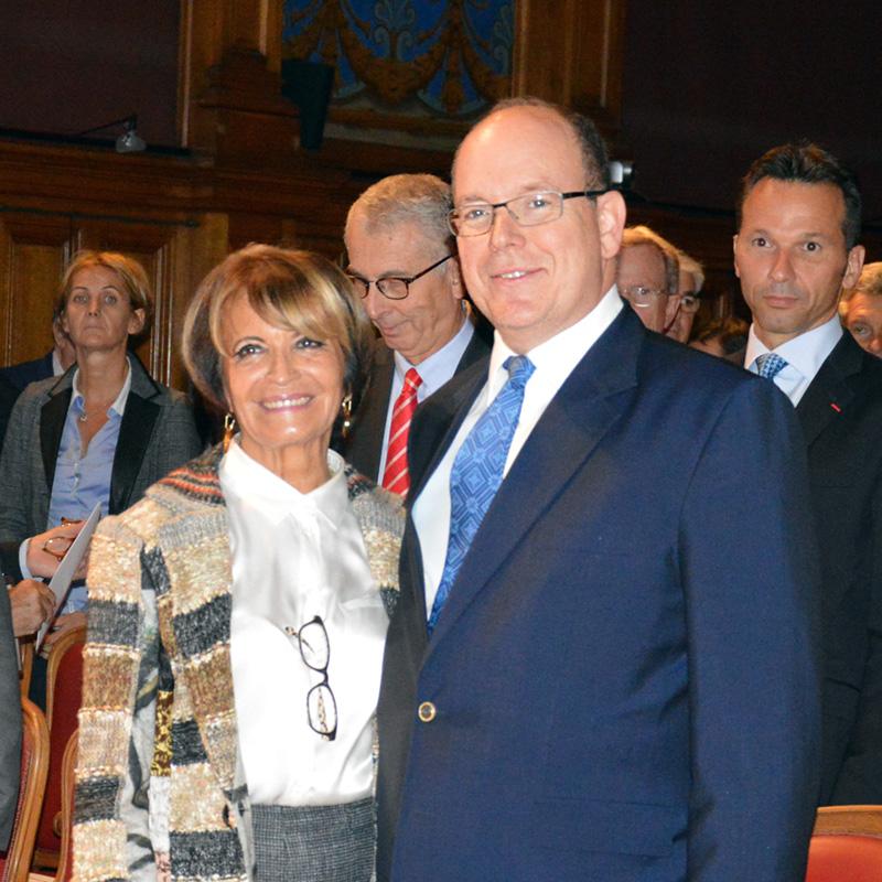La Présidente Yvette Gazza-Cellario et S.A.S. Le Prince Albert II de Monaco